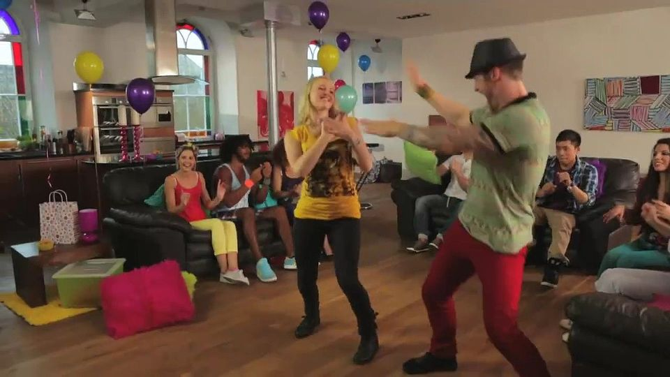 Just Dance 4 Kinect trailer