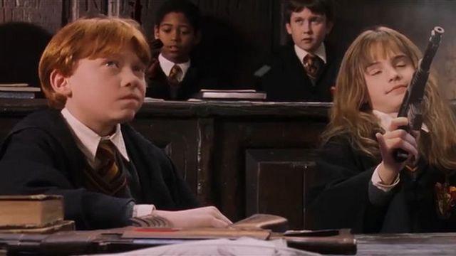 Brudny Harry Potter. Fani podmienili różdżki na broń w całym filmie