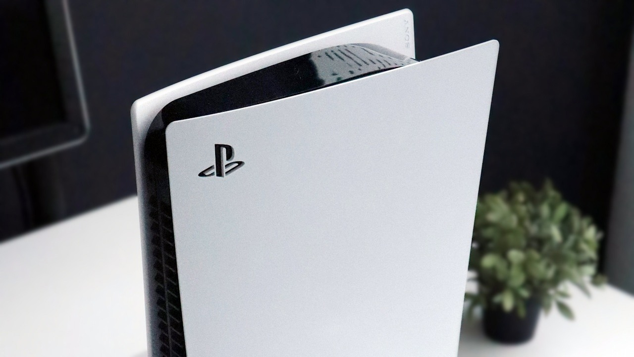 PS5 Update Silences Drive, Adds 120Hz Support and New HDR Options