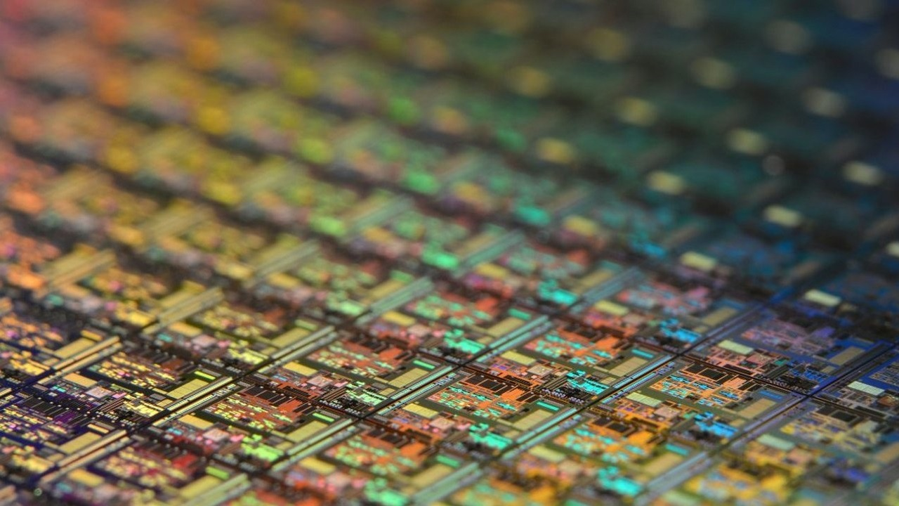 Intel and TSMC Claim Chip Shortage is a Long-term Problem