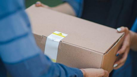 Nie ma w co pakować sprzętu. Na świecie brakuje kartonu