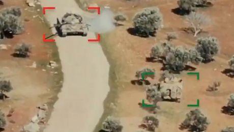 Starcie pancerne w Syrii wygląda jak z gry RTS