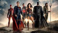 Liga Sprawiedliwości nie powtórzyła sukcesu Wonder Woman - przegląd recenzji