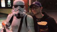 Gwiazda Incepcji i Loopera broni Star Wars The Last Jedi