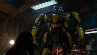 Optimus Prime w klasycznym wydaniu na nowych zdj�ciach z Bumblebee