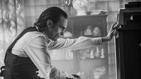 Joaquin Phoenix jako Joker na nowym zdjêciu z filmu. Ruszy³ monta¿