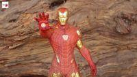 Zobacz imponującą figurkę Iron Mana wyrzeźbioną z drewna