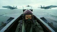 Top Gun: Maverick nie bawi si� w p�rodki. Efektowne nagranie zza kulis
