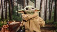 Baby Yoda z bliska - figurka zachwyca wykonaniem i straszy cen�