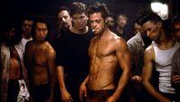 Brad Pitt organizuje wieczorki filmowe, które terroryzuje zaprzyjaźniony reżyser