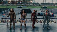 Krytycy obejrzeli Lig� Sprawiedliwo�ci Zacka Snydera i s� zachwyceni. Zobacz fina�owy trailer